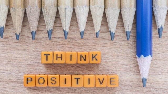 Sa intelegem psihologia din spatele gandirii pozitive