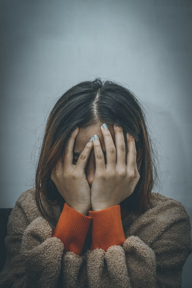 10 semne ca ai dezvoltat depresie, chiar daca nu esti trist!