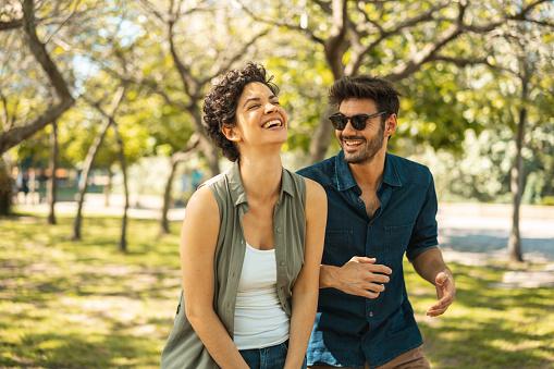 Cum sa reincepi sa mergi la intalniri dupa o despartire?
